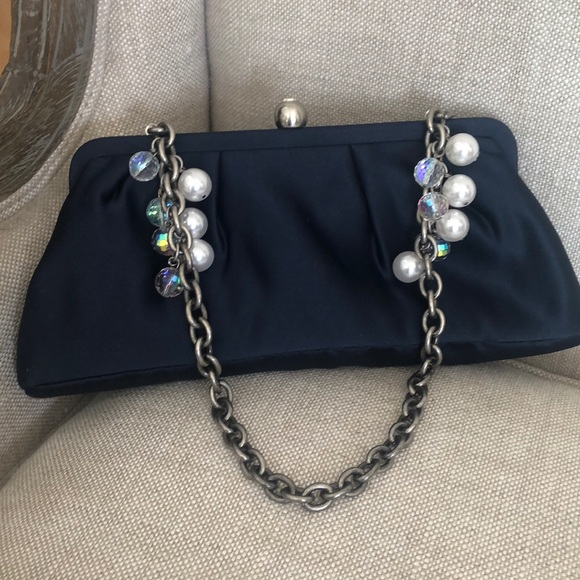 Shoulder satin bag with chain